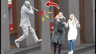 HUMAN STATUE  WITH LOUD HORN  PRANK - Amazing Living Human Statue