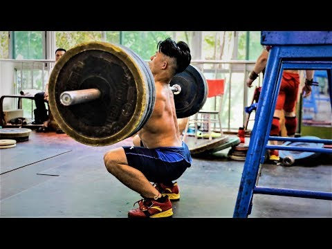 AWESOME CHINESE WEIGHTLIFTING TRAINING