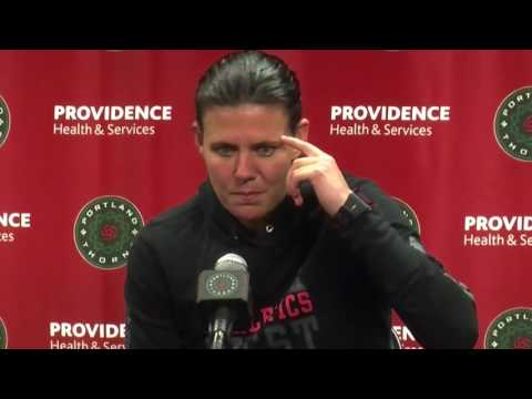 Christine Sinclair on Amandine Henry and Thorns