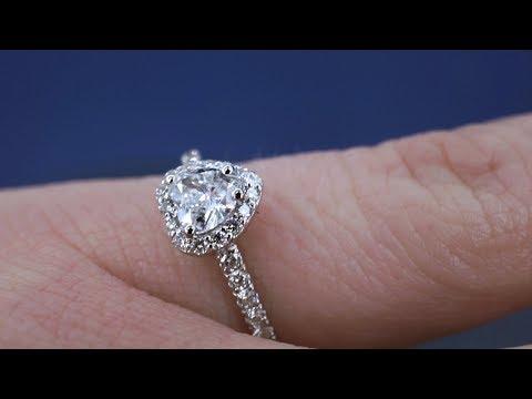 Обзор кольца с бриллиантом в форме сердца