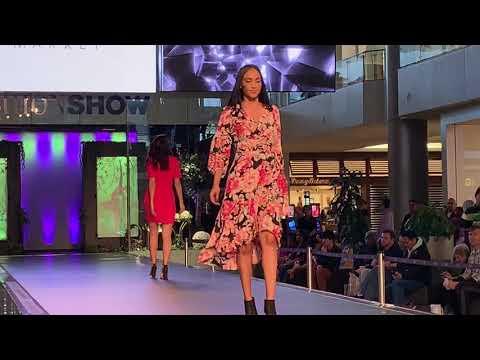 White House Black Market Fashion Show 2019