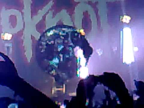 Slipknot - Joey Jordison Upside down drum solo - Newcastle ...