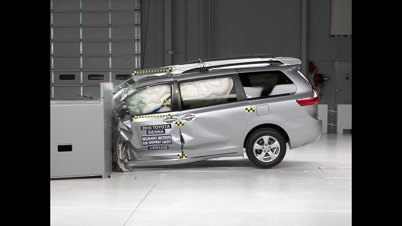 2015 Toyota Sienna Small Overlap Iihs Crash Test Youtube