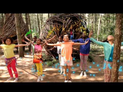 Kinderen voor Kinderen - Hallo wereld (Officiële videoclip)