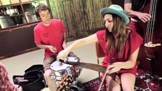 Corner Sessions: Angela Perley & The Howlin