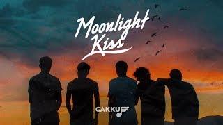 Moonlight - Kiss