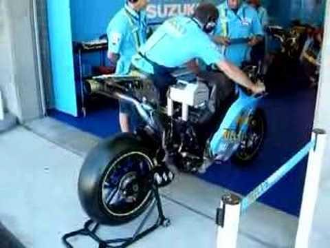 2007 Moto GP Vermeulenu0027s Bike Rizla Suzuki
