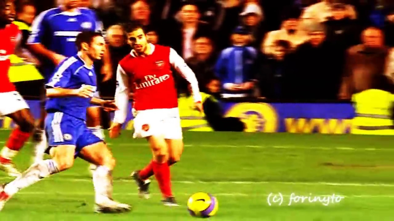 Michael Essien Unbeliwvable Goal Arsenal FC