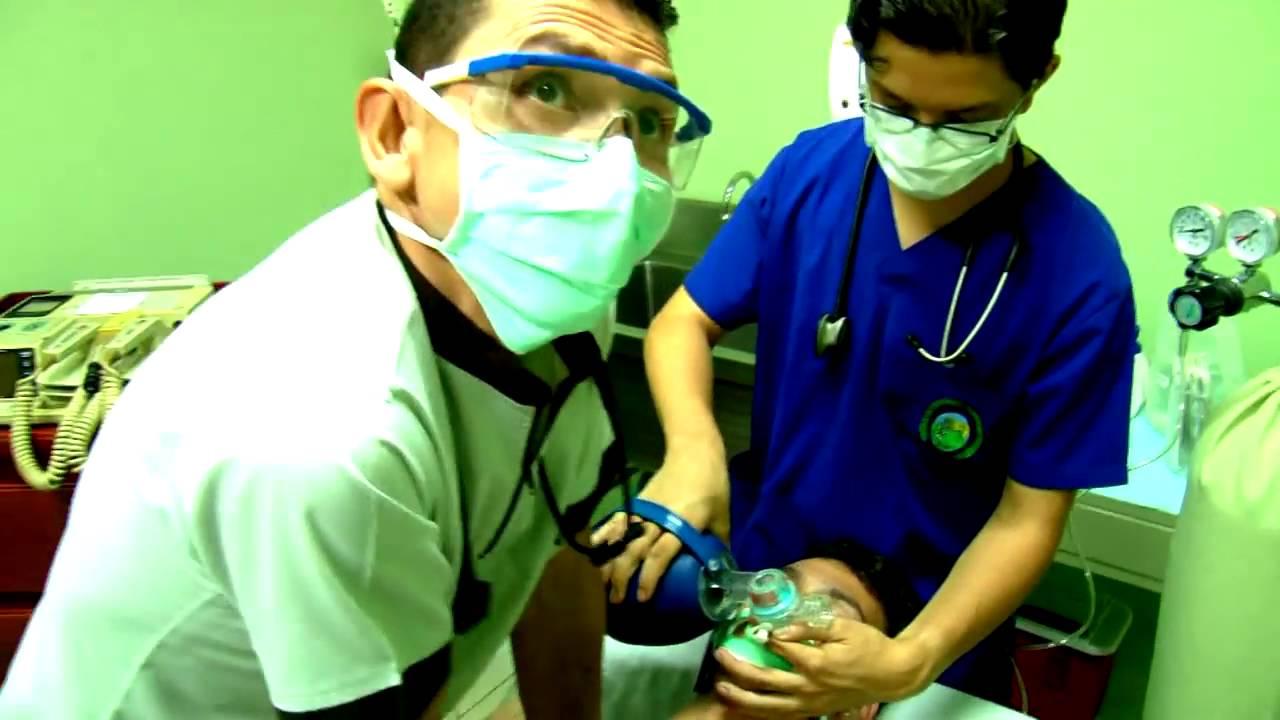 Download Manejo Paro Cardio Respiratorio Clnica de Urgencias PZ