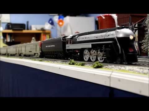 Lionel 38000 Century Club II ESE Hudson with Golden Gate Depot Empire State Express