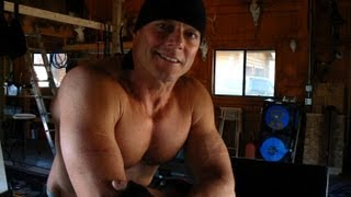 The Sculptor and His Speed Bag.wmv