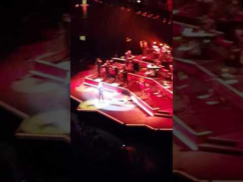 Neil Diamond 50th Anniversary Tour   United Center Chicago IL Mayo 28 2017 Sunday Ending