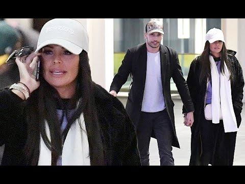 Jess Wright and Giovanni Pernice return from weekend away