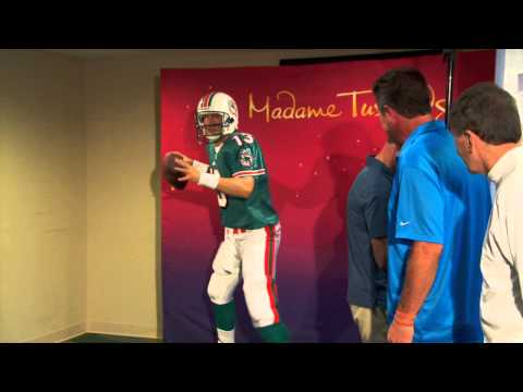 Dan Marino Meets his Wax Figure for the First Time in Miami!