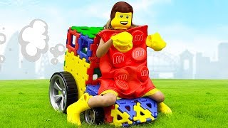 Max and Katy pretend play Lego kids