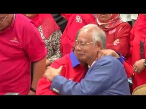 Najib Razak letak jawatan Presiden UMNO, Pengerusi BN serta-merta
