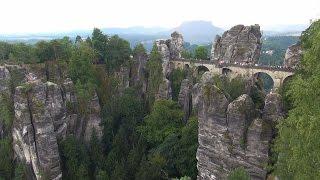 Германия: Бастай и крепость Кенигштайн (Саксонская Швейцария)(4:42 - вид на мост Бастай с нижней платной смотровой, 17:25 - вид на мост с верхней обзорной точки 19:07 - Крепость..., 2016-02-28T17:18:56.000Z)