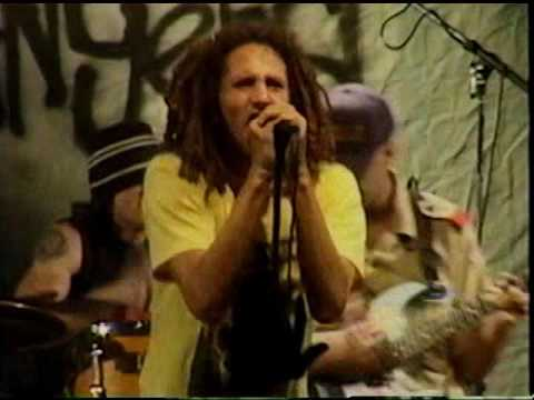 RAGE AGAINST THE MACHINE - Sleep now in the fire Live Los Angeles El Rey Theatre 1999