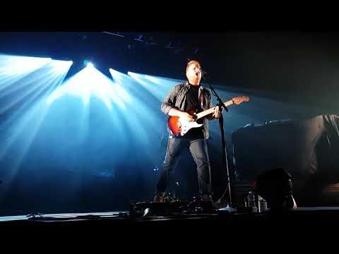 17-10.13 - Tom Walker - Leave a Light On (4)