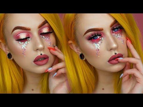 Chunky Glitter Tears Grunge Princess Makeup | Evelina Forsell