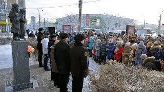 Возложение цветов в честь 75 й годовщины прорыва блокадного кольца Ленинграда