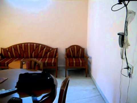 chitra lodge rooms - Tuticorin.avi