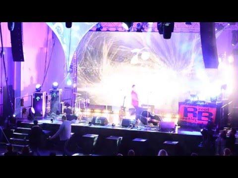 Danny Keen - Let Me Entertain You (Live)