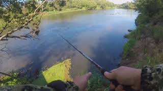 Джиг на реке с берега , щука