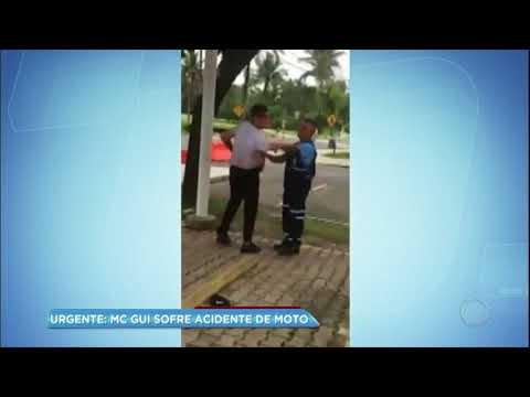Hora da Venenosa: MC Gui sofre acidente em condomínio de luxo no litoral de SP
