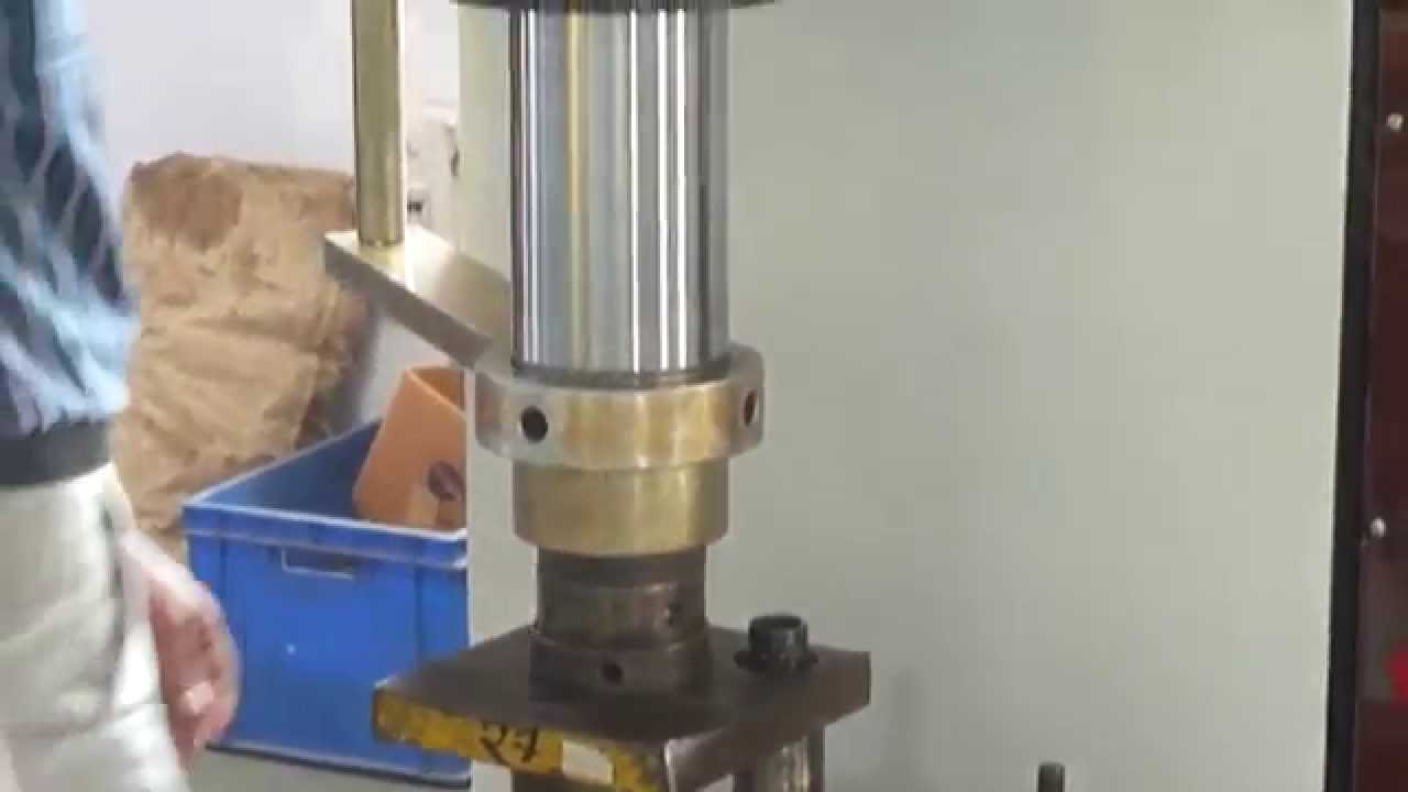 C TYPE HYDRAULIC PRESS MACHINE INDIA - YouTube