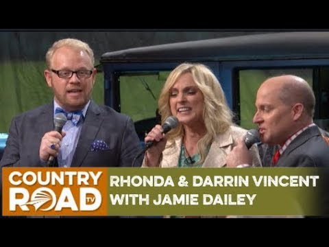 Rhonda & Darrin Vincent with Jamie Dailey on Countrys Family Reunion