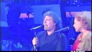 Enzo Gragnaniello ed Ornella Vanoni - Alberi - Sanremo 1999.m4v