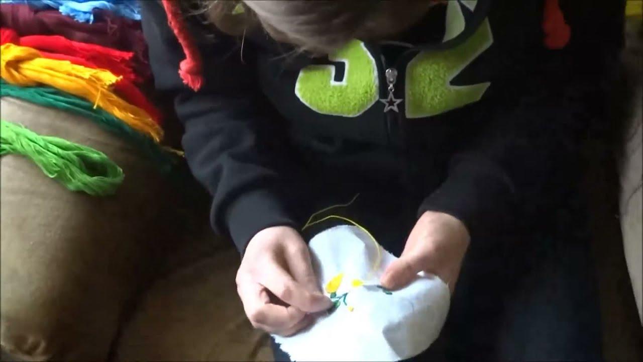 f2993a3777 felgyorsított Kalocsai hímzés saját kezűleg - YouTube