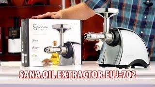 Отжим масла на маслопрессе Sana Oil Extractor EUJ-702.
