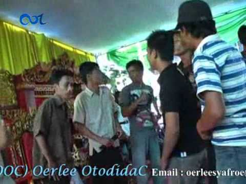 Antara Hitam dan Putih Pesona Remix | OOC 2011