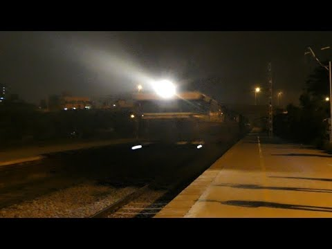 Rescue Mission | Offlink SBI WDG-4 on rampage with Rajkot Coimbatore Express - Indian Railways [4K]