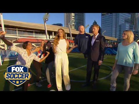 Alexi Lalas joins the wall as FOX Soccer analysts take free kicks