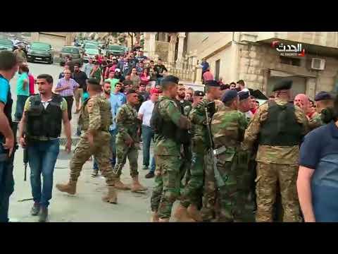 على الهواء اشتباكات وإطلاق نار في مقر انتخابي بزحلة #لبنان