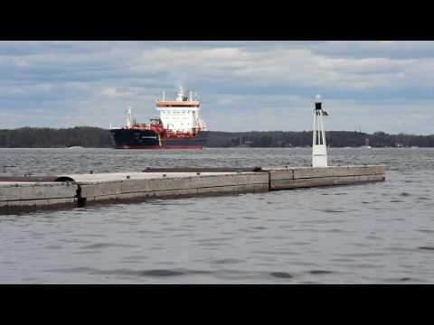 St. Lawrence Seaway shipping industry threatened by high water