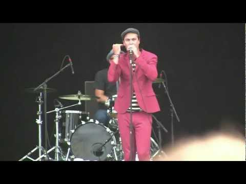 """Fitz & the Tantrums- """"Dear Mrent"""" (HD) Live in Chicago on 8-5-2011"""