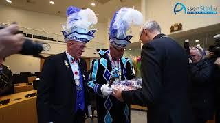 Burgemeester Out overhandigt stadssleutel aan De Narren van Pitlo in Assen