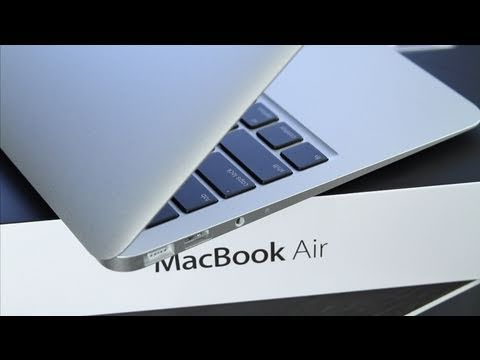 MacBook Air 11 inch Unboxing and Review (2010)