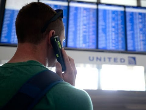 few-flights-resume-at-chicago-airports-after-fir
