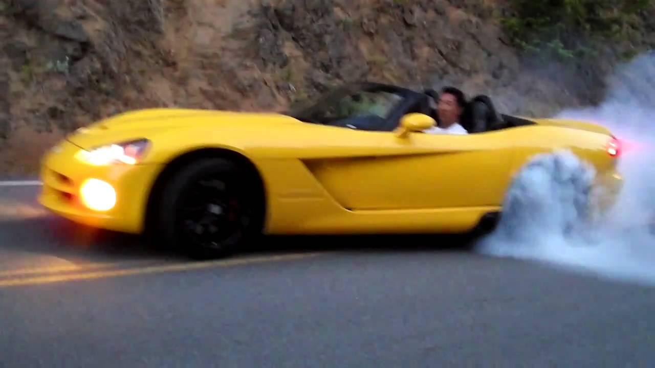 2005 Srt10 Dodge Viper Burnout Youtube