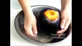 ขนมตาล,Toddy palm cake Part 1/2 (How to squeeze the meat of toddy palm seed)