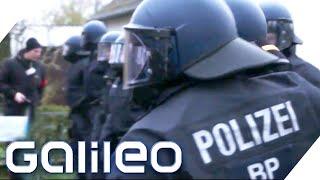 Knallhart! Die Ausbildung bei der Bundespolizei | Galileo | ProSieben