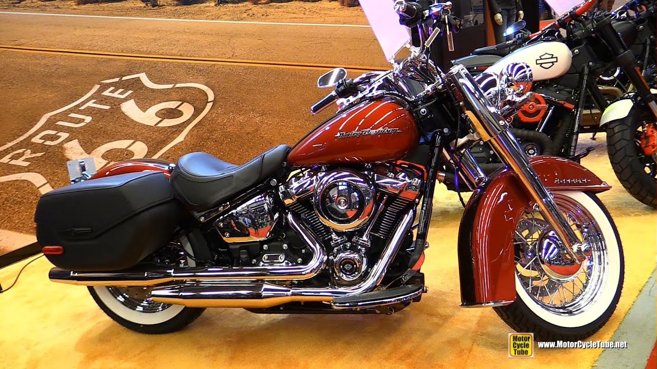 Harley Davidson Softail Deluxe Customized