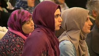 Muslims in France pray for peace