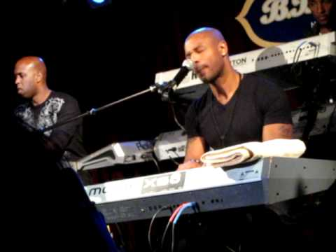 Tank- I Can't Make You Love Me - Live @ BB King's New York on 11/30/11