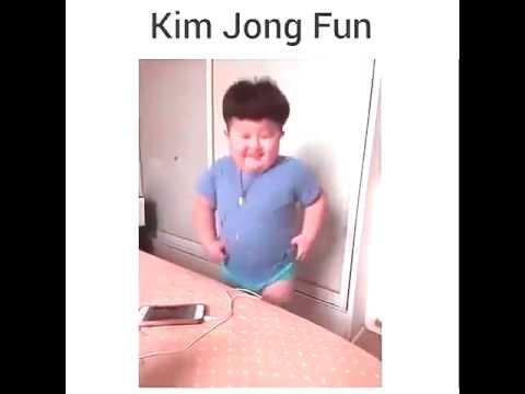 Bambino cinese che balla